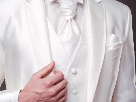 esküvői öltönyök termékfotózás esküvői fotózás LB-Mediart Wedding Photography Budapest